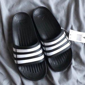 NWT Adidas Duramo Slippers Slides